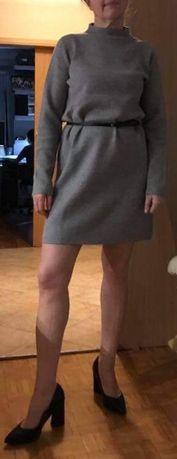 Nowa dzianinowa sukienka