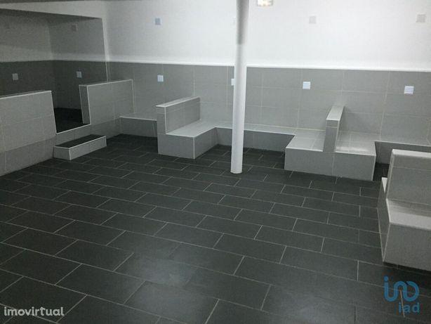 Loja - 299 m²