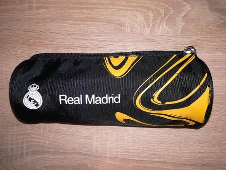 Piórnik tuba Real Madrid jak nowy