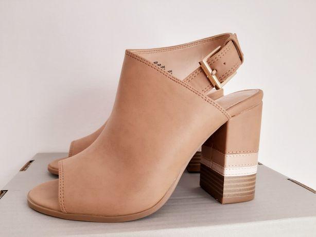 Nowe Buty APT.9 37.5 bezowe słupek brązowy sandały