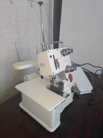 Оверлок, швейная машинка