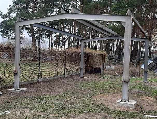 Konstrukcja stalowa garaż wiata hala. Ceownik, dwuteownik, kątownik