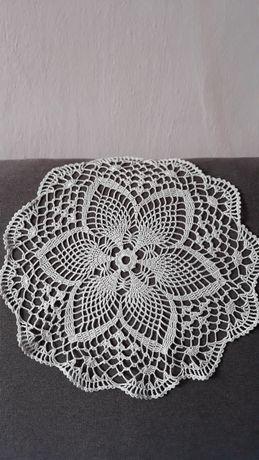 Рукоділля, плетіння салфеток
