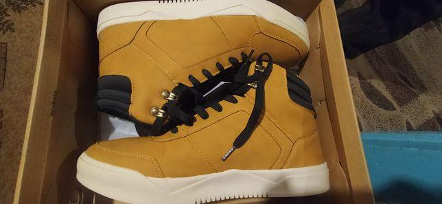 CROPP new (Men's Sneakers)нові44(28,5см) йдуть як 43