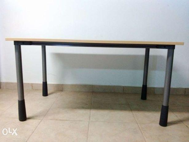 Mesa de trabalho 140x80cm Kinnarps