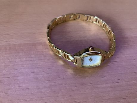 NOWY zegarek damski kwarcowy