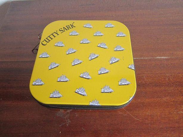 Porta CD's ou DVD's Amarelo com Barcos Brancos da Cutty Sark com divis