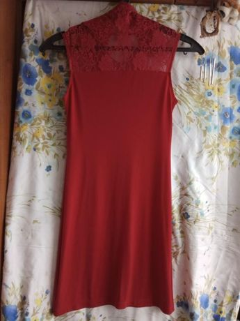 платье с кружевным высоким горлом