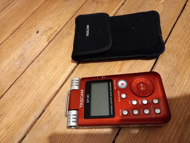 Tascam GT-R1 przenosny rejestrator do gitary lub basu