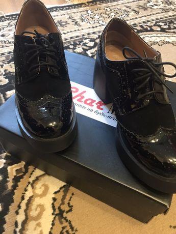 Лакированные туфли оксфорды