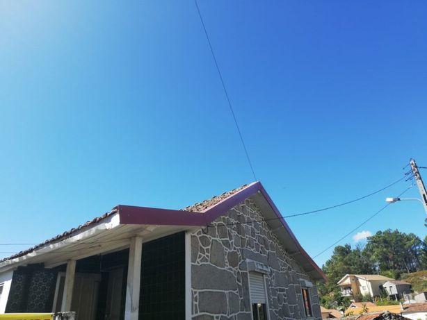 Moradia com terreno em Castro Daire