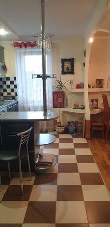 Продам 3 кімнатну квартиру з меблями