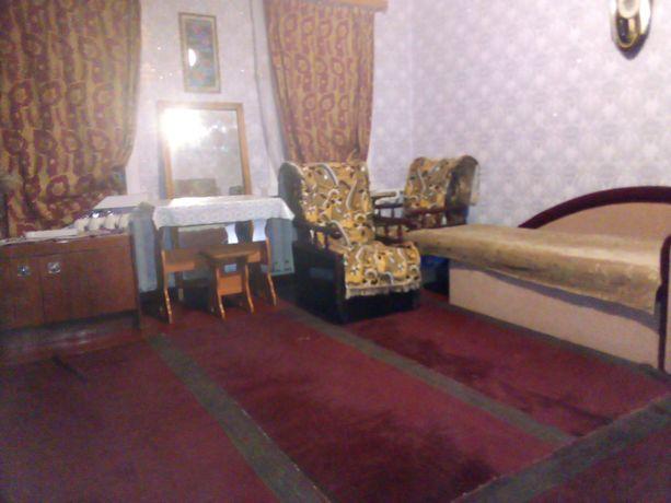 сдам, в центр рн Боженко,  отдельную комнату для девушки!!!