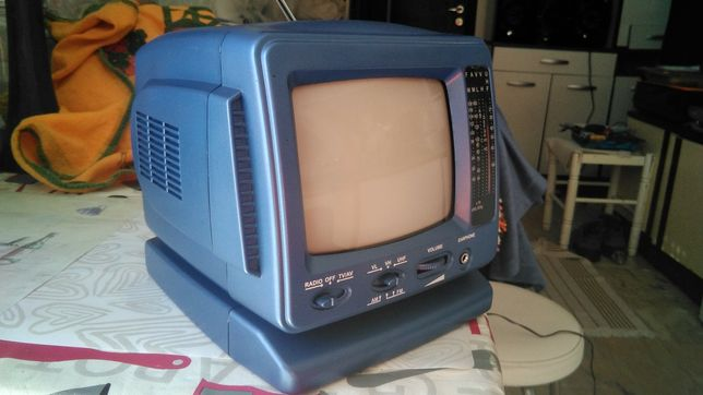 Televisão portátil com rádio