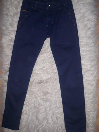 OKAZJA! Eleganckie spodnie chłopięce materiałowe 152cm