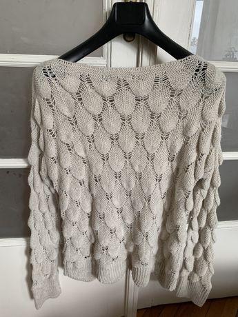 Красивая вязанная кофта, свитер