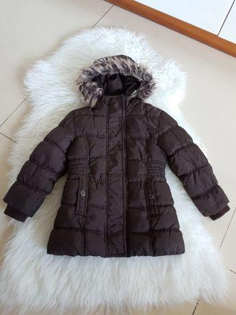 Zimowa kurtka brązowa pikowana 104 z odpinanym futerkiem