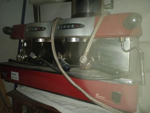 Máquina de café Bravo