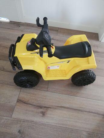 Samochód akumulatorowy dla dziecka