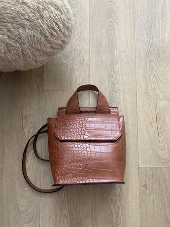 Asos стильная сумка рюкзак коричневая карамельная под кожу крокодила