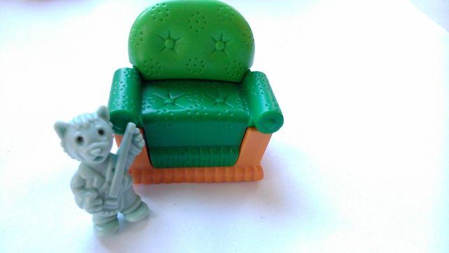 Киндер сюрприз 90-е годы Серия Кошки в мебели. Кресло - K98n.43