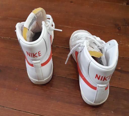 Nike Blazer Mid 77, praticamente novos