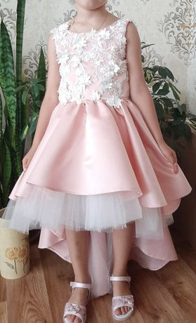 Нарядное платье рост 128