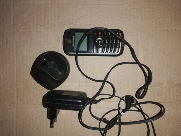 Telemóvel Motorola e carregador