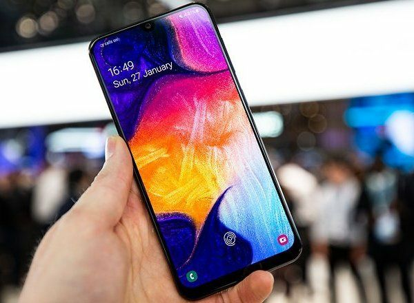 Samsung А50 и часы самсунг 46мм. обменяю телефон