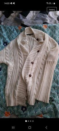 Kremowy sweter Top Secret