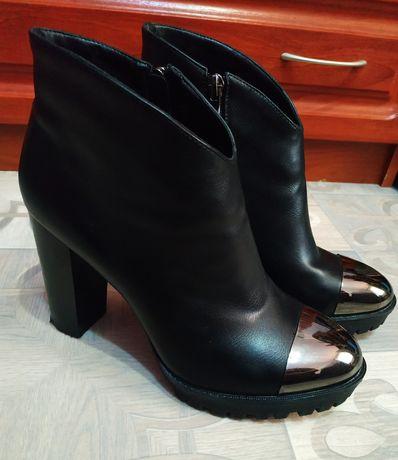 Женские ботинки (700 руб.)