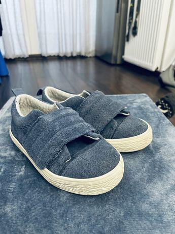 Кросівки zara baby (23 розмір) хороший стан