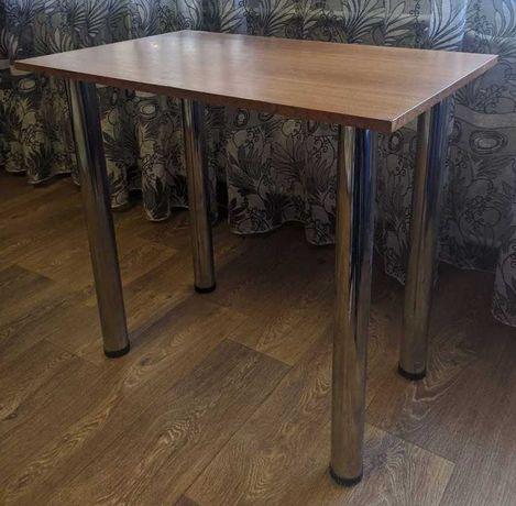 Стол с металлическими ножками (стол для кухни, стол для зала)