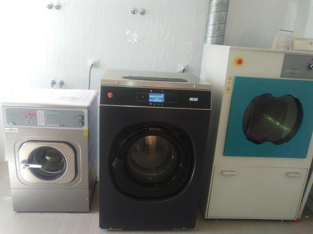 Máquina de lavar roupa industrial de ocasião