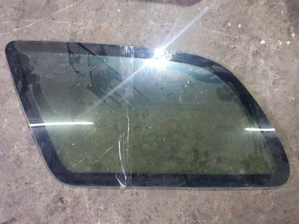 Стекло заднее левое Ford Escort mk7 универсал дверное стекло