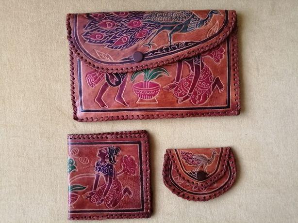 Pochete em pele, com carteira e porta moedas