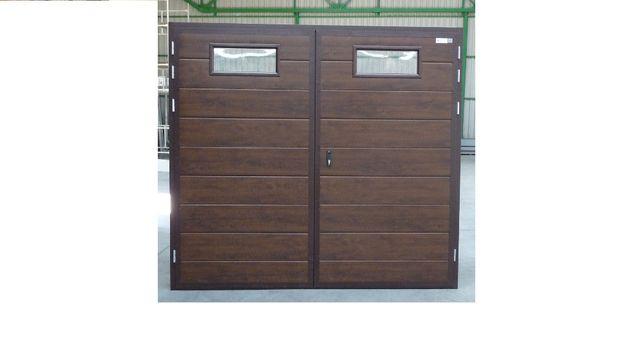 Brama garażowa dwuskrzydłowa z panela 40 mm pianka kolor Orzech
