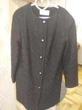 Новое пальто 42-44 размера