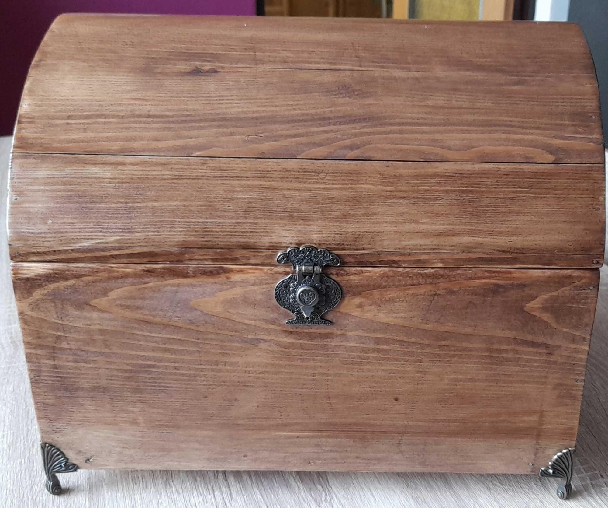 Elegancki Kuferek drewniany sosna, ręcznie robiony, Malowany