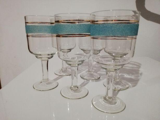 Бокали для вина голубенькі