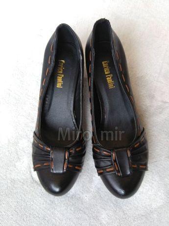 Черные туфли женские новые лодочки на среднем толстом каблуке 36 37