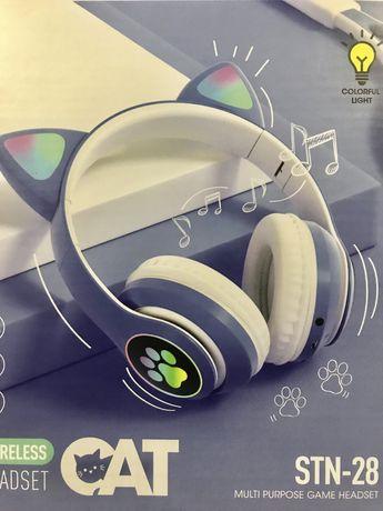 Auscultadores c/ orelhas e luz NOVOS