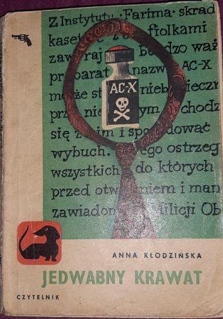 Anna Kłodzińska - Jedwabny krawat. Seria z jamnikiem