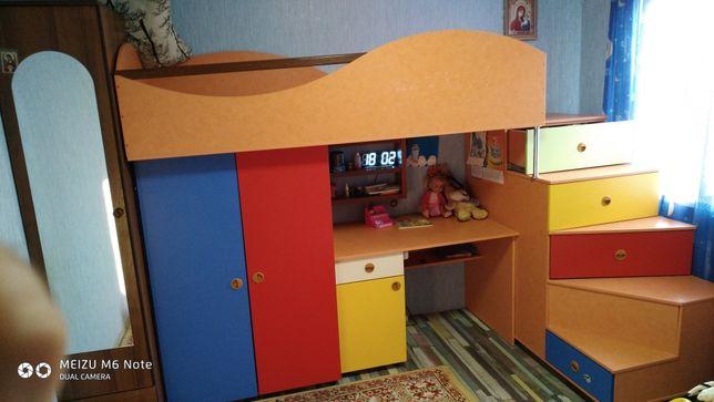 Детская стенка угол кровать стол шкаф