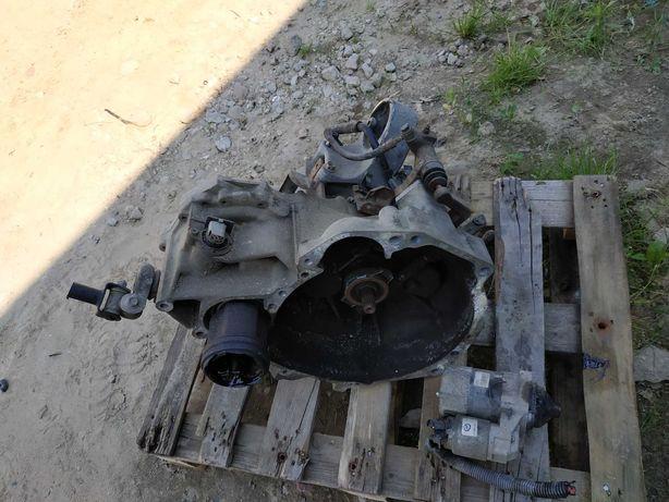 Skrzynia biegow nissan almera 1.5 benzyna .
