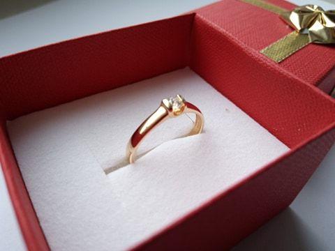 Pierścionek złoty, Brylant, A&A Dom Jubilerski, rozmiar 13 zaręczynowy Kłobuck - image 1