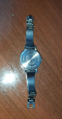 Часы наручные женские Anne Clein, почти даром