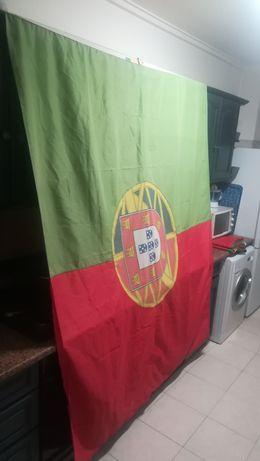Bandeira Portugal 2000x1800 mm, usada em bom estado