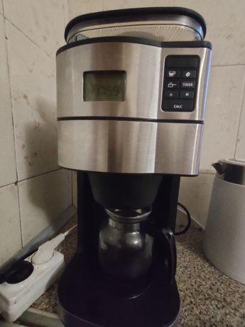 Продам кофеварку с кофемолкой( кофемашина)