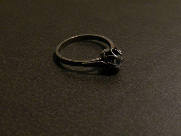 Продам серебряное кольцо